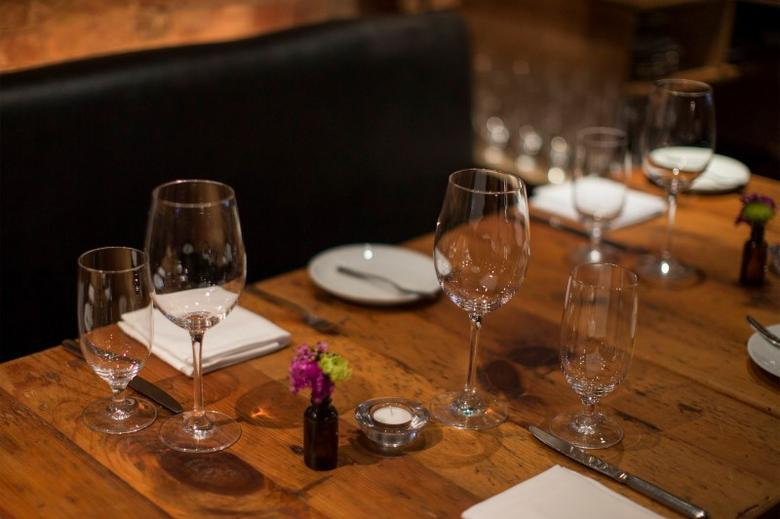 A table setting is seen at restaurant Marc Forgione in New York April 3, 2014.  REUTERS/Brendan McDermid