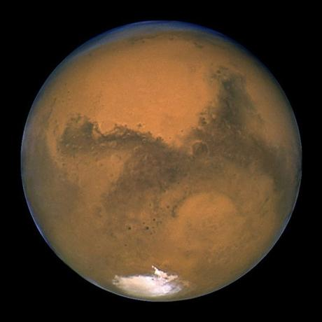 NASA's Hubble Space Telescope snapped this portrait of Mars within minutes of the planet's closest approach to Earth in nearly 60,000 years in this picture taken by NASA on August 27, 2003. REUTERS/NASA/Handout via Reuters