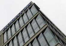 Офис Новатэка в Москве 16 сентября 2012 года. Крупнейший российский частный производитель газа Новатэк пообещал соблюдать объявленные сроки реализации своего амбициозного проекта сжижения газа на Ямале, несмотря на то что компания попала в санкционный список США. REUTERS/Maxim Shemetov
