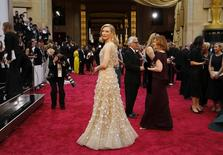 "Cate Blanchett  best actress nominee for her role in ""Blue Jasmine"" arrives on the red carpet at the 86th Academy Awards in Hollywood, California March 2, 2014.  REUTERS/Mike Blake"