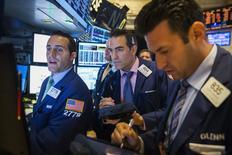 La Bourse de New York a fini en baisse de 0,46% jeudi, le Dow Jones cédant 75,01 points à 16.368,33. Ces chiffres sont susceptibles de varier encore légèrement. /Photo prise le 6 août 2014/ REUTERS/Lucas Jackson