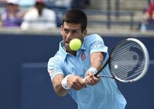 Djokovic enfrenta Tsonga em Toronto nesta quinta-feira.  Peter Llewellyn-USA TODAY Sports