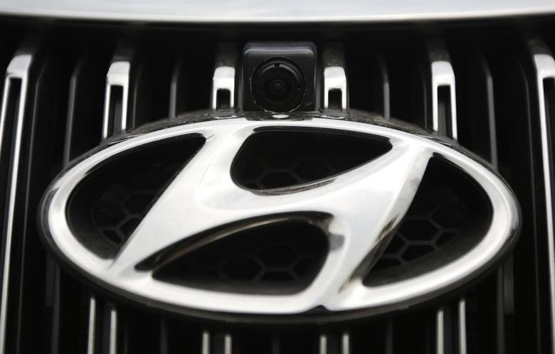 A vehicle camera is installed on the front grill of a Hyundai Motors' Grandeur sedan at Hyundai Mobis Research Centre in Yongin July 16, 2014. REUTERS/Kim Hong-Ji/Files