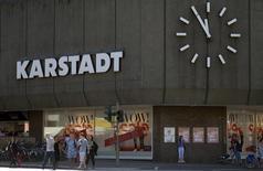 L'homme d'affaires autrichien Rene Benko a racheté la chaîne allemande de grands magasins Karstadt qui traverse d'importantes difficultés financières et change de mains pour la deuxième fois en quatre ans. /Photo prise le 11 juillet 2014/REUTERS/Fabian Bimmer