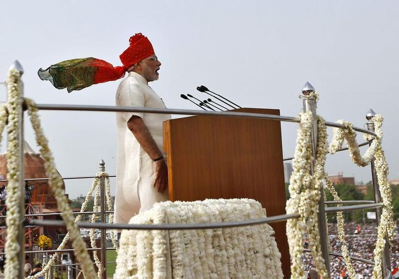 Indian Prime Minister Narendra Modi addresses the nation from the historic Red Fort during Independence Day celebrations in Delhi August 15, 2014. REUTERS/Ahmad Masood