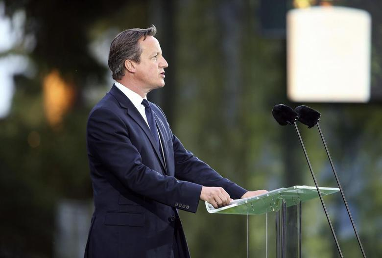 Britain's Prime Minister David Cameron speaks during a ceremony at the St. Symphorien Military Cemetery in Mons August 4, 2014. REUTERS/Chris Jackson/Pool