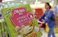 Cereal da Heinz que teve algumas caixas retiradas de mercados da China por possível contaminação. 18/08/2014 REUTERS/Stringer