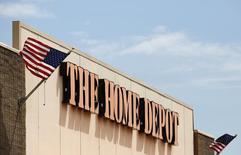 Una tienda de la cadena Home Deport en Niles, EEUU, mayo 19 2014. Home Depot Inc reportó un incremento de un 5,8 por ciento, superior a lo esperado, en sus ventas comparables en el segundo trimestre, ya que los clientes gastaron más en las reparaciones de sus casas tras el duro invierno boreal en América del Norte. REUTERS/Jim Young