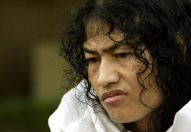 Irom Sharmila Chanu reacts during an interview with Reuters in New Delhi October 4, 2006. REUTERS/Vijay Mathur/Files