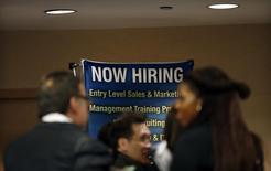 Feira de empregos em Nova York. 24/10/2012.  REUTERS/Mike Segar