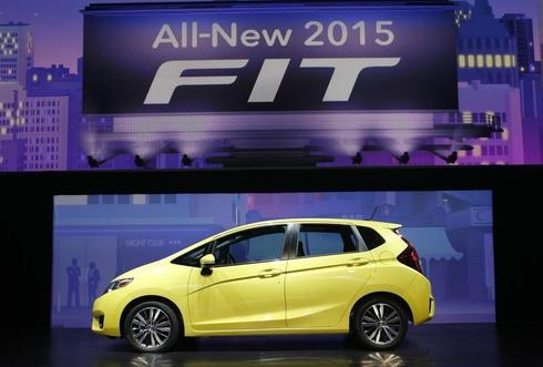 Honda to modify Fit to boost test score, calls back 12,000 cars