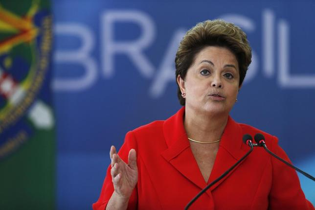 Brazil's President Dilma Rousseff speaks during the ceremony of the Sanction Law establishing the Regulatory Framework of Civil Society Organizations at the Planalto Palace in Brasilia, July 31, 2014. REUTERS/Ueslei Marcelino