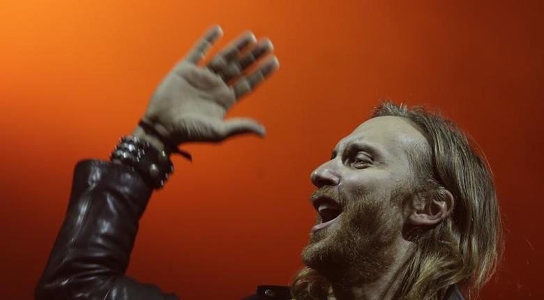 French artist David Guetta performs at the Rock in Rio Music Festival in Rio de Janeiro September 13, 2013.  REUTERS/Ricardo Moraes
