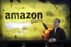 Вице-президент Amazon Майк Фраццини на презентации Amazon Fire TV в Нью-Йорке 2 апреля 2014 года.Американский гигант онлайн-торговли Amazon.com Inc покупает игровой видеосервис Twitch Interactive почти за $970 миллионов. REUTERS/Eduardo Munoz