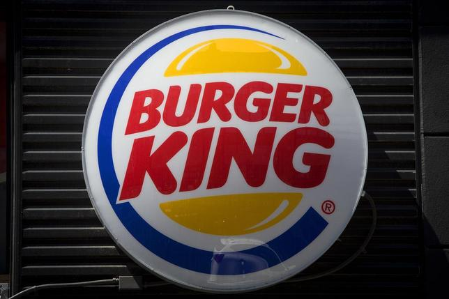 A Burger King logo is pictured in the Brooklyn borough of New York August 25, 2014. REUTERS/Carlo Allegri