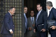 European Central Bank Executive Board member Benoit Coeure (L), Greece's Prime Minister Antonis Samaras (2nd L) and European Central Bank Mission Chief for Greece Klaus Masuch (R) talk after a meeting at the Prime minister's office in Athens August 28, 2014. REUTERS/Alkis Konstantinidis