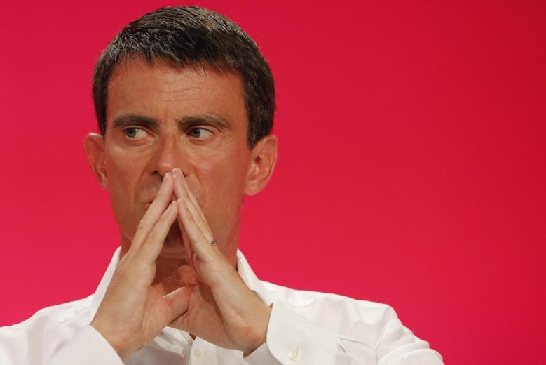 French Prime Minister Manuel Valls, attends the Socialist Party's ''Universite d'ete'' summer meeting in La Rochelle, western France, August 31, 2014. REUTERS/Stephane Mahe