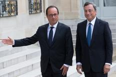 L'Elysée s'est félicité lundi des convergences de vue entre François Hollande et le président de la Banque centrale européenne Mario Draghi sur les maux qui accablent une économie européenne menacée par la déflation. /Photo prise le 1er septembre 2014/REUTERS/Philippe Wojazer