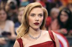 """Scarlett Johansson em lançamento do filme """"Capitão América"""" em Londres, em 20 de março.  REUTERS/Paul Hackett"""