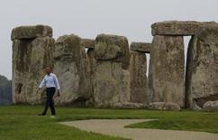 Après un sommet de l'Otan dominé par la crise en Ukraine, Barack Obama a profité de sa présence au Pays de Galles pour aller visiter le site de Stonehengue, célèbre pour ses mégalithes formant une structure circulaire et datant de la période néolithique. /Photo prise le 5 septembre 2014/REUTERS/Larry Downing