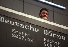 Le groupe de capital risque allemand Rocket Internet, qui a lancé des dizaines de start-up internet ces dernières années, a annoncé mercredi son intention de lever environ 750 millions d'euros via l'introduction d'une partie de son capital en Bourse, pour surfer sur une vague d'IPO dans le secteur de l'e-commerce. /Photo d'archives/ REUTERS/Ralph Orlowski