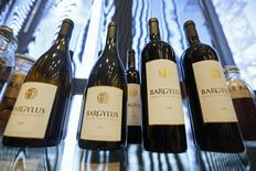 Wine bottles of Domaine de Bargylus are displayed in Beirut September 3, 2014. REUTERS/Jamal Saidi