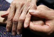 Au premier semestre, le chiffre d'affaires proforma de Korian-Medica, leader européen des maisons de retraite, a progressé de 3,7% à 1,23 milliard d'euros. /Photo d'archives/REUTERS/Yuriko Nakao
