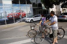 L'autorité chinoise antimonopole a pour la première fois sanctionné des constructeurs automobiles étrangers pour entente sur les prix, infligeant une amende totale de 36 millions d'euros à Volkswagen et à Chrysler. /Photo prise le 2 septembre 2014/REUTERS/Carlos Barria