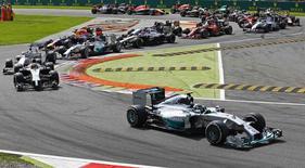 Piloto da Mercedes Nico Rosberg lidera GP de Monza de F1, na Itália. REUTERS/Stefano Rellandini