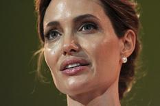 Atriz Angelina Jolie participa de evento sobre violência sexual em conflitos, em Londres. 10/06/2014 REUTERS/Carl Court/pool