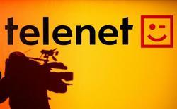 En annonçant jeudi sa décision de ne plus verser d'argent à ses actionnaires cette année, le câblo-opérateur belge Telenet a donné lieu à des spéculations voulant qu'il prépare peut-être une acquisition, le nom de Mobistar, filiale d'Orange, étant cité. /Photo d'archives/REUTERS
