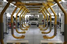Carro elétrico E150 EV na linha de produção de fábrica da Beijing Automotive Industry Holding Co (BAIC), nos arredores de Pequim. 23/07/2014 REUTERS/China Daily