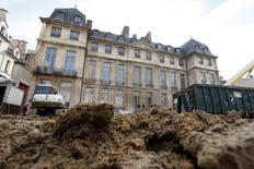 Exterior do Hotel Sale, conhecido como Museu Picasso, durante obras de reforma, em Paris. 04/03/2014 REUTERS/Charles Platiau