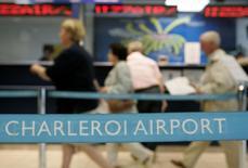 La Commission européenne a ordonné à l'aéroport belge de Charleroi de rembourser environ six millions d'euros d'aides d'Etat jugées illégales et elle a ouvert une enquête sur l'aéroport bruxellois de Zaventem, estimant qu'une aide d'Etat y bénéficiait à certaines compagnies aériennes, parmi lesquelles Brussels Airlines, filiale de Lufthansa. /Photo d'archives/REUTERS/Thierry Roge