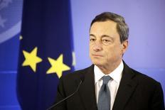 Presidente do Banco Central Europeu, Mario Draghi, durante cerimônia em Vilnius. 25/09/2014 REUTERS/Ints Kalnins