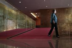 Presidente Dilma (PT) chega para entrevista em Brasília nesta segunda-feira.   REUTERS/Ueslei Marcelino