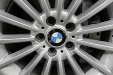A BMW logo is seen the wheel of a car in Mexico City July 3, 2014.  REUTERS/Carlos Jasso