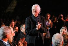 Guitarist Jimmy Page of the band Led Zeppelin is introduced during the Berklee College of Music Commencement Concert in Boston, Massachusetts May 9, 2014. .   REUTERS/Brian Snyder