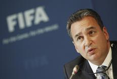 Michael Garcia, chefe das investigações sobre corrupção envolvendo os processos de escolha das sedes da Copa do Mundo em 2018 e 2022, durante coletiva de imprensa na sede da Fifa, em Zurique, Suíça. 27/07/2012. REUTERS/Michael Buholzer