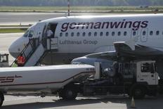 Le syndicat des pilotes VC a lancé un appel à la grève le 16 octobre, un mouvement qui vise plus particulièrement la filiale Germanwings de Lufthansa. /Photo prise le 15 octobre 2014/REUTERS/Wolfgang Rattay