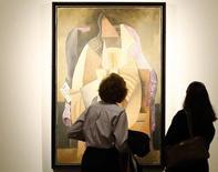 Visitantes observam obra de Pablo Picasso no Metropolitan Museum of Art, em Nova York. 15/04/2013.  REUTERS/Brendan McDermid