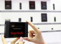 Sandisk's new solid state drive is displayed at the Sandisk booth during the 2014 Computex exhibition at the TWTC Nangang exhibition hall in Taipei June 3, 2014.  REUTERS/Pichi Chuang