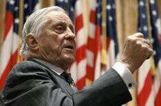 Foto de arquivo de Ben Bradlee, ex-editor executivo do Washington Post, que morreu na terça-feira, aos 93 anos. 18/04/2011 REUTERS/Alex Gallardo