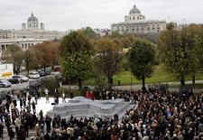 Áustria inaugura monumento nesta sexta-feira em homenagem a milhares dos seus cidadãos que desertaram do Exército de Hitler durante a Segunda Guerra Mundial, em Viena. 24/10/2014  REUTERS/Leonhard Foeger