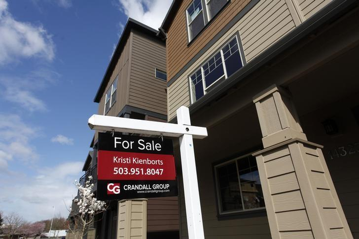 Homes are seen for sale in the southwest area of Portland, Oregon March 20, 2014. REUTERS/Steve Dipaola
