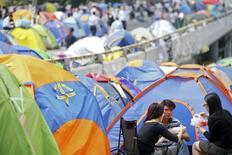 Manifestantes acampados em protesto pró-democracia no distrito financeiro de Hong Kong. 29/10/2014 REUTERS/Damir Sagolj