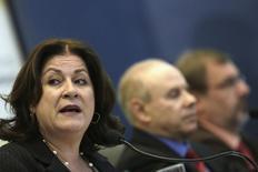 Ministra do Planejamento, Miriam Belchior (esquerda), durante entrevista coletiva para anunciar o orçamento de 2014, em Brasília, em agosto do ano passado. 29/08/2013 REUTERS/Ueslei Marcelino