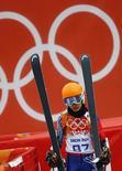 Vanessa Mae, competindo pela Tailândia, durante prova nos Jogos de Sochi 2014. 18/2/2014 REUTERS/Kai Pfaffenbach