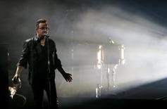 Bono, lead singer of the band U2, performs during the Bambi 2014 media awards ceremony in Berlin November 13, 2014.     REUTERS/Fabrizio Bensch