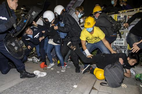 Hong Kong barricades come down